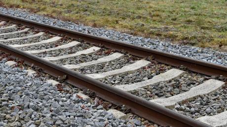 Noch herrscht gähnende Leere auf der Strecke der Fuchstalbahn. Das könnte sich aber wieder ändern, denn nun wurde die Bedeutung der Strecke vom Verband Deutscher Verkehrsunternehmen hochgestuft.