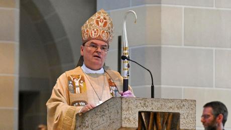 Augsburgs Bischof Bertram Meier positionierte sich klar zum Papier aus dem Vatikan. Er wünscht sich eine weniger aufgeregte Debatte um Laienengangement in der Kirche.