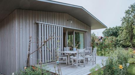 """Die Gestaltung des Holzhauses, das bei den""""Architektouren"""" präsentiert werden sollte,lehnt sich an die ortstypischen Boots- und Fischerhäuser an."""