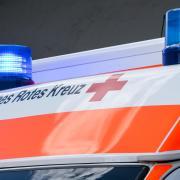 Auf der B17 ist am Dienstagabend ein 24 Jahre alter Autofahrer mit seinem Wagen von der Fahrbahn abgekommen. Das Fahrzeug überschlug sich dabei.