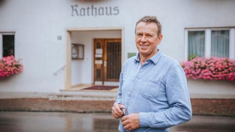 Fritz Schneider hat das Amt des Bürgermeisters in Rott von Quirin Krötz übernommen.