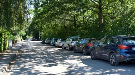 In der Kaagangerstraße gibt es an heißen Sommertagen große Parkprobleme. Jetzt hat sich der Gemeinderat Eching wieder damit beschäftigt und eine Lösung scheint in Sicht.
