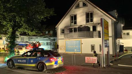 In Greifenberg brannte es am Wochenende zweimal in einem Wohn- und Geschäftshaus.