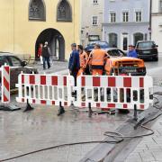 Bereits im vergangenen Jahr wurde die Fahrbahn in der Herkomer-Straße und auf dem Landsberger Hauptplatz ausgebessert. Ab 17. August wird erneut saniert.
