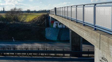 Die Katzen wurden von der B17-Brücke bei Igling geworfen.