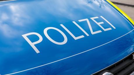 Die Polizei sucht den Fahrer eines BMW, der am Mandichosee Unfallflucht beging.