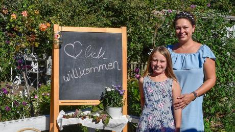 Viel zu entdecken gibt es im Garten der Familie Weidlich in Leeder. Verantwortlich dafür sind vor allem Karin Weidlich und ihre Tochter Johanna.