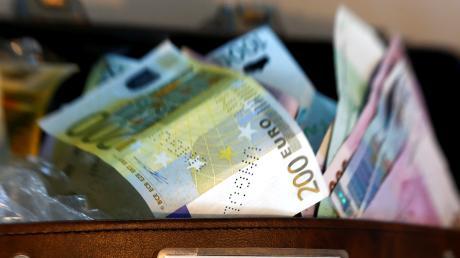 Wegen Geldwäsche stand ein 23-Jähriger aus dem Landkreis Dillingen vor dem Amtsgericht.