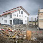 Die Baustelle im Denklinger Gewerbegebiet ist derzeit abgesperrt.