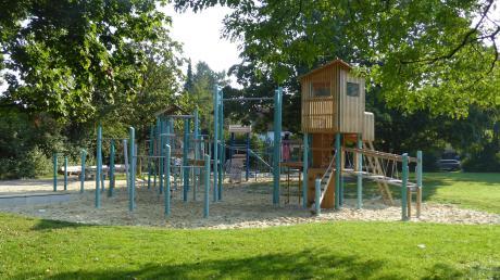Dieser Spielplatz in Münchenkönnte Vorbild werden für den Mehrgenerationen-Spielplatz, der im Uttinger Summerpark entstehen soll.