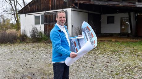 Investor Georg Bechteler plant ein Wohn- und Geschäftsgebäude mit einer Tagespflegeeinrichtung auf dem ehemaligen Uttinger Mentergelände.