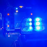 Wegen eines Raubes in einer Gaststätte wurde die Polizei am Freitgabend nach Rott gerufen.