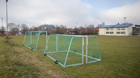 Die Schule in Rott soll Außensportanlagen und einen Anbau für die Mittagsversorgung erhalten.
