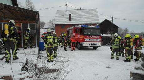 Zu einem Brandwurden am Donnerstagvormittag die Feuerwehren in den Denklinger Ortsteil Menhofen gerufen.
