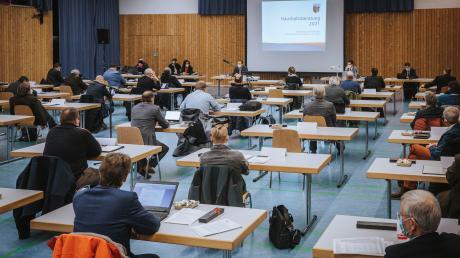 Die abschließende Kreistagssitzung des Jahres 2020 hat in der Lechauhalle in Kaufering stattgefunden.