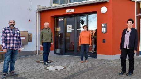 Das Kauferinger Seniorenstift heute mit Palmerino Minutillo, Erich Püttner (ehemaliger Leiter), Heidi Heidner und Leiterin Gabi Schüder.