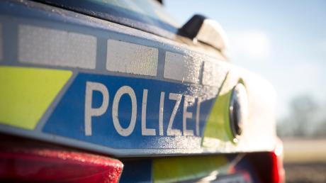 Bei Lutzingen ist am Sonntagabend das Auto eines 39-Jährigen ins Schleudern geraten.