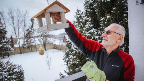 Bernd Korndörfer aus Kaltenberg hat in diesem Winter bislang so gut wie keine Vögel an seinem Vogelhäuschen gesehen.