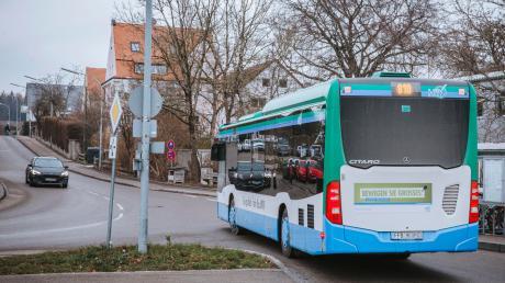 Noch bis Ende 2021 läuft der Probebetrieb der Buslinie von Geltendorf nach Mammendorf. Ob danach die Busse in Geltendorf halten, ist am 21. Januar wieder Thema im Gemeinderat.