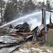 Bei einem Großbrand in der Nacht auf Montag ist das Hackschnitzellager der Erzabtei St. Ottilien völlig zerstört worden.