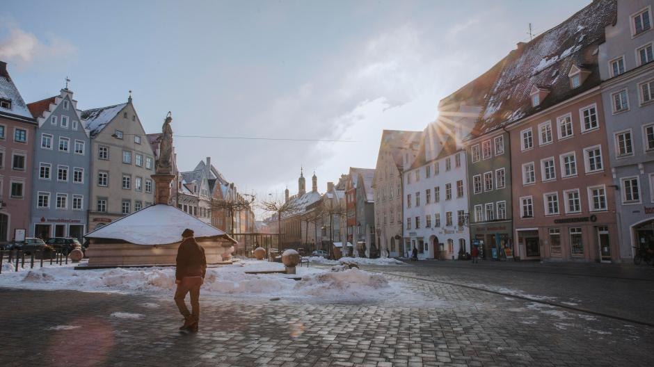 Lockdown in Landsberg: Der fast menschenleere Hauptplatz.