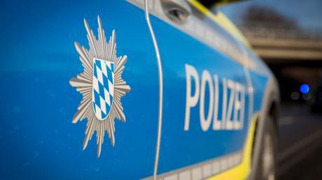 Stark alkoholisiert fuhr ein 32-Jähriger durch Lechhausen und verursachte einen Unfall.