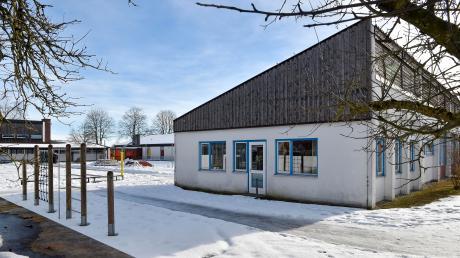 Die Grundschule in Erpfting platzt aus allen Nähten. Weil ab Herbst eine weitere Klasse unterrichtet werden soll, plant man einen Anbau für fast eine halbe Million Euro.