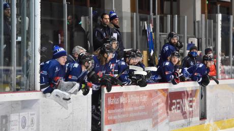 Der HC Landsberg erlebt eine schwierige Premiere in der Eishockey-Oberliga. Nicht einfach wird auch die Entscheidung sein, wie es nach dieser Saison weitergeht.