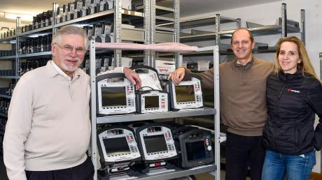 Günter Stemple (links) zieht sich bei Corpuls aus der Geschäftsführung zurück. Zu dieser gehören auch Christian und Iris Klimmer sowie Klaus Stemple (nicht im Bild). Die Firma mit Sitz in Kaufering stellt Medizinprodukte her.