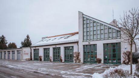 Der bisherige Standort des Feuerwehrhauses in Kaufering wird aufgegeben. Uneinigkeit besteht darin, welcher der beste Platz für das neue Gerätehaus ist. Am Mittwoch beschäftigt sich der Marktgemeinderat mit der Frage.
