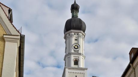 Die Kirchturmuhrder Stadtpfarrkirche Mariä Himmelfahrt in Landsberg ist stehen geblieben.