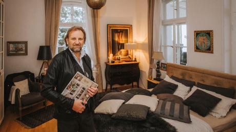 Friedrich Altewische in seiner Wohnung in einer Villa im Dießener Ortsteil St. Georgen.