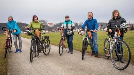 Die Einwohner von Unterdießen haben beim Stadtradeln von allen bayerischen Kommunen die meisten Kilometer pro Person gesammelt. Im Bild von links: Werner Franz, Petra Otte, Loni Moser sowie Otto und Hedwig Fischer.