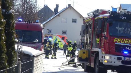 In einem Wohnhaus in der Hechenwanger Straße hat es am Freitagvormittag einen Brand gegeben.