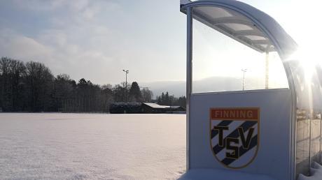 Nicht nur wegen des Winters ist es auf den Sportanlagen in Finning derzeit ganz ruhig. Für eine zukünftige Belebung der Freizeitstätte mitten im Dorf könnte auch ein generationenübergreifender Treffpunkt sorgen, den der TSV Finning plant.