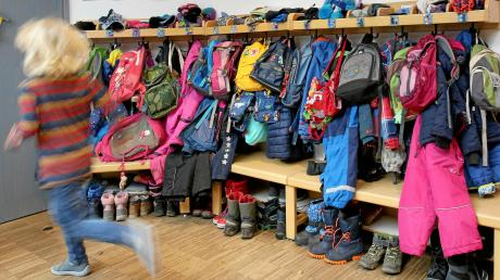 Die Kindergärten und Kitas im Wittelsbacher Land können in den normalen Regelbetrieb zurückkehren. Doch mancherorts herrscht noch Zurückhaltung.