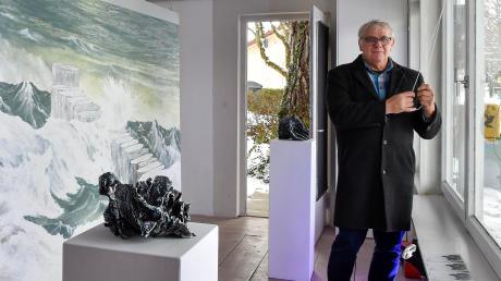 Harry Sternberg hat sich mit dem Raum B1 in Utting einen Lebenstraum erfüllt. Am Bahnhofsplatz präsentiert er seit dem Sommer 2018 kleine Kunstausstellungen.
