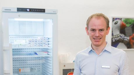 Der Landsberger Arzt Dr. Matthias Lüdtke und andere Hausärzte stellen sich darauf ein, dass sie auch bald Impfungen gegen das Coronavirus in ihren Praxen durchführen.