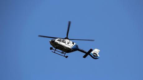Ein Hubschrauber der Polizei suchte mit der Wärmebildkamera nach der dementen Frau.
