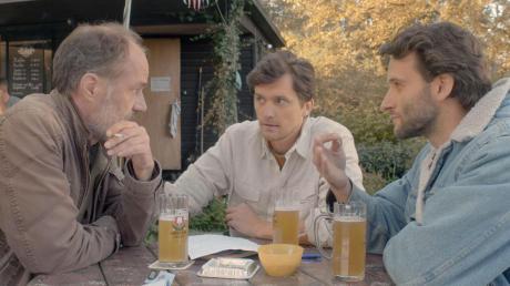 """Der Film """"Zwei ist eine gute Zahl"""" erzählt eine dramatische Dreiecksbeziehung und wurde zum Teil im Landkreis Landsberg gedreht. Im Bild eine Szene auf einem Grundstückin Dießen/St. Alban."""