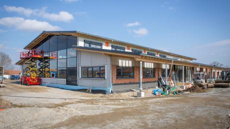 Der Schuldenstand der Gemeinde Denklingen wird bis Ende 2022 viel höher. Das Geld fließt unter anderem in den Bau des Bürger- und Vereinszentrums.