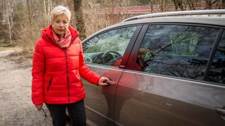Magdalena Kästner ärgert sich über die Strafe, die sie bezahlen musste, weil sie nah des Zollhauses geparkt hat.