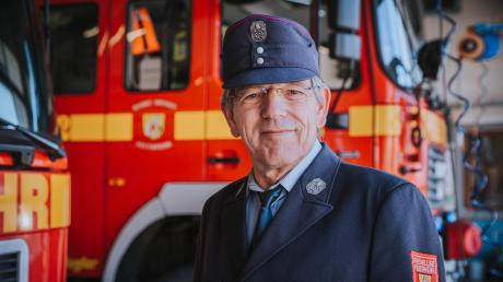 Norbert Ernst ist Feuerwehrmann aus Überzeugung. Jetzt hat der 65-Jährige seinen aktiven Dienst bei der Dießener Feuerwehr nach 50 Jahren beendet.