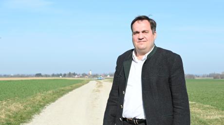 Eglings Bürgermeister Ferdinand Holzer kämpft seit Jahren für den Ausbau eines Feldwegs zum Radweg. Im Prittrichinger Gemeinderat findet sich dafür allerdings keine Mehrheit.