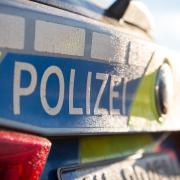Die Kriminalpolizei sucht nach einem unbekannten Sex-Täter, der in Landsberg eine Frau belästigt hat.