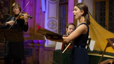 Die Sopranistin Marie-Sophie Pollak muss wegen der Corona-Krise auf internationale Auftritte verzichten. In Landsberg kennt man die Sängerin auch von den Rathauskonzerten.
