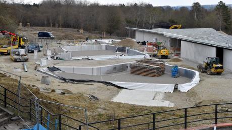 So sieht es derzeit auf der Baustelle für das neue Freibad in Greifenberg aus.