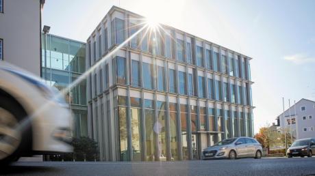 Das Landgericht München erklärt die Zinswettgeschäfte der Stadt Landsberg für unwirksam. Das wirkt sich auch auf den Strafprozess gegen Ex-Kämmerer Manfred Schilcher aus.