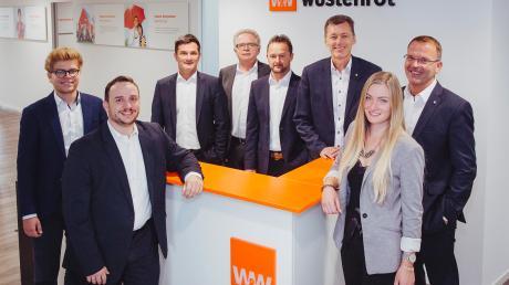 Das Landsberger Wüstenrot-Team um Vertriebsdirektor Manfred Dinauer (Dritter von rechts).