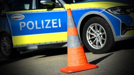 Nach einem Unfall auf der B17 bei Igling kam es am Samstagmittag zu erheblichen Verkehrsbehinderungen.